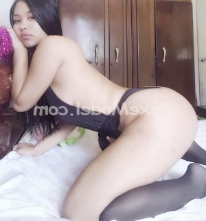 Chalva tescort escort girl massage à Flines-lez-Raches