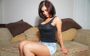 Shanel wannonce escorte girl massage