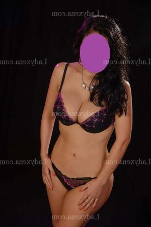 Emeline escorte girl massage érotique lovesita à Saint-Lô