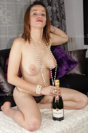 Hermina lovesita massage escort
