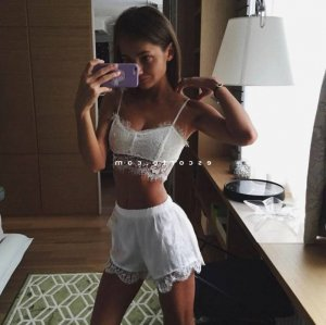 Annelaure massage tantrique escort à Quincy-Voisins